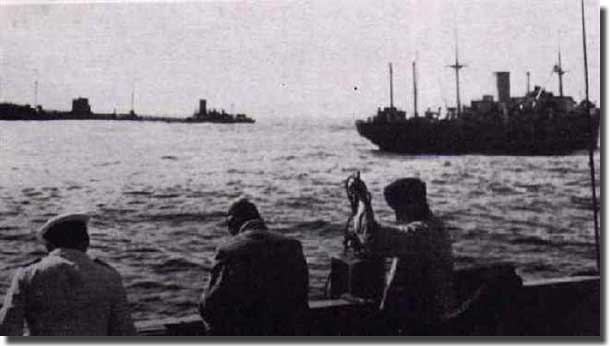 Charlotte Schliemann on the left with the Speybank, renamed Doggerbank