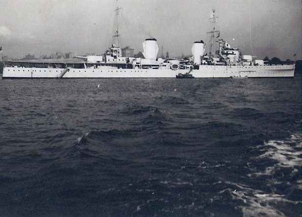 HMAS Perth Photograph
