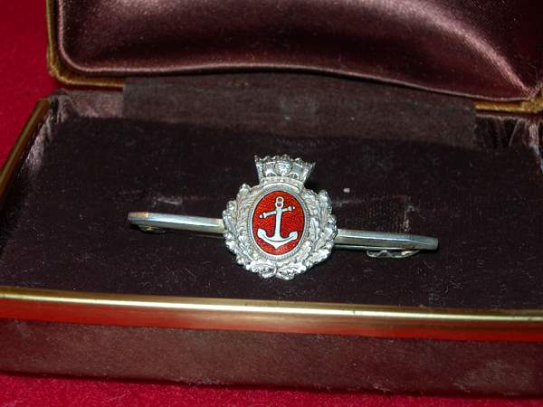 Merchant Navy Officers' Cap Badge tie pin